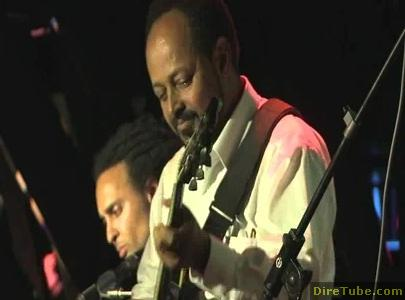 Blue Note - Tomas Doncker introduces guitar hero Selam Woldemariam