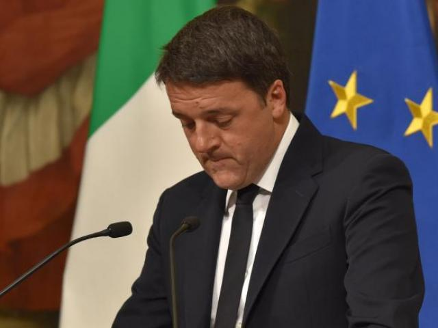 Italy referendum: PM Matteo Renzi resigns after clea...