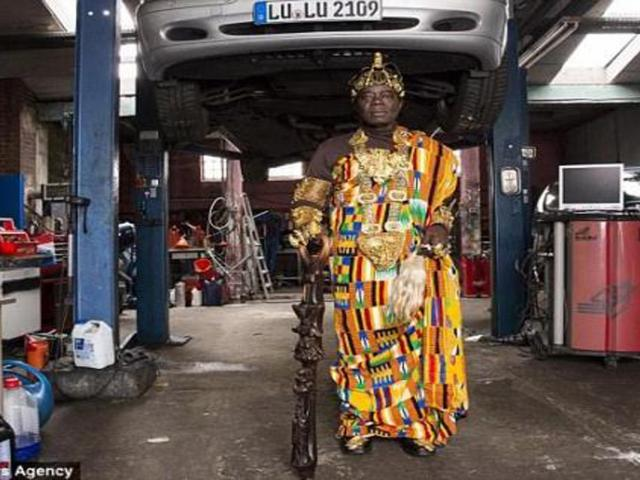 Amazing: Ghanian Tribal King Who Rules His People Vi...