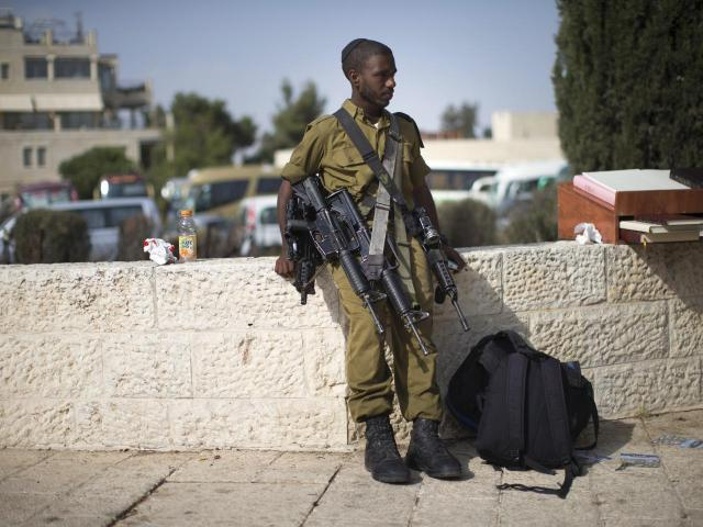 Ethio-Israeli Soldiers Refuse to Serve after Police Commissioner's Racist Comment