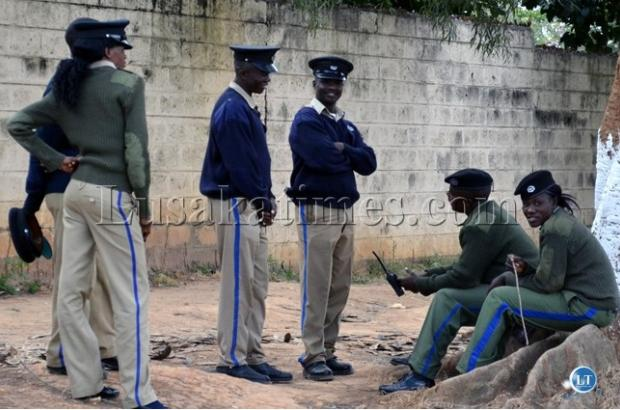 3 Police Officers turn down K30 000 bribe and arrest 16 Ethiopian immigrants