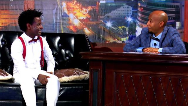 "Esubalew Yitayew performs ""Mare Mare"" on Seifu On EBS Show"