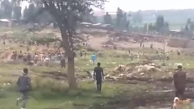 Clash between residents and police due to house demolition at Lafto, Addis Ababa