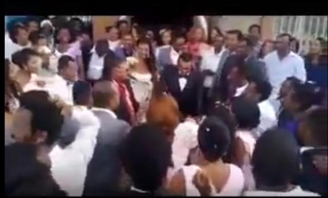 This Amazing groom entertaining the guests on his wedding