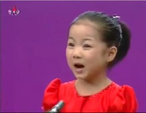 Little Girl Singing Song | the more you watch, the more you will fall in love With her