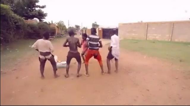Beautiful and Funny African dance Tunke