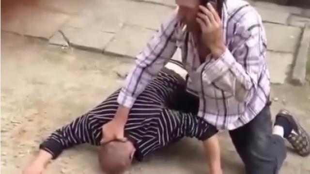 Funny Video - Drunk men funny street fight