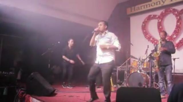 Shewandagn Hailu singing on stage for Ethiopian couples 2016