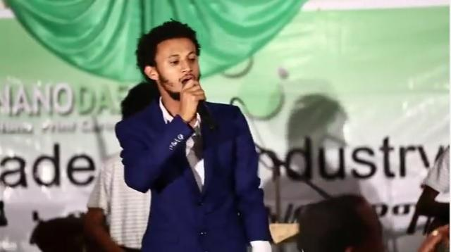 Balageru Idol winner Dawit Tsige singing Abebe Teka and Tilahun Gessesse's songs