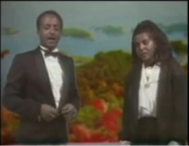 Ethiopian Oldies: Tewodros Tadesse and Asefu Debalike - Atbabi Sleyish (አትባቢ ስለይሽ)