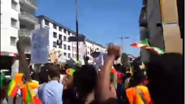 """Ethiopians Protest in Frankfurt, Germany """"Tekebresh Yenorshew"""""""