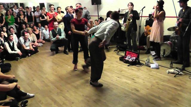 Enjoy this amazing Jam Dance