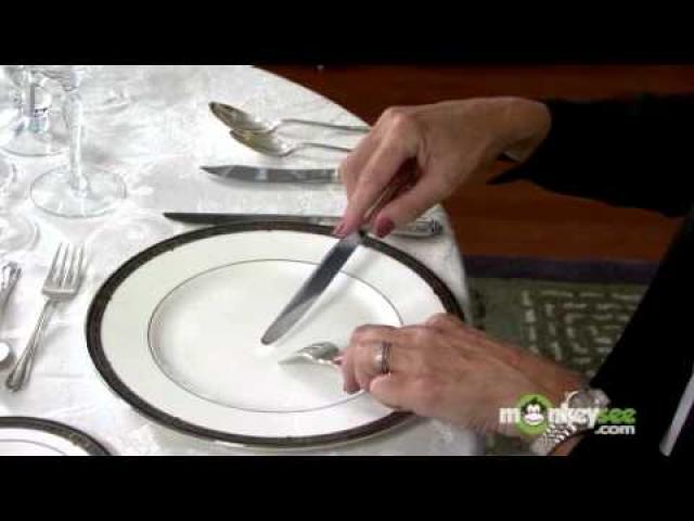 Basic Dining Etiquette - Using Utensils for beginners