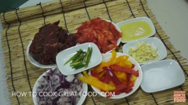 Ethiopian Beef & Bell Pepper Tibs Recipe