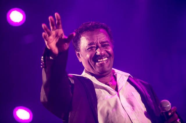 Alemayehu Eshete - Alteleyeshignim (አልተለየሽኝም) @ Jazzamba Lounge
