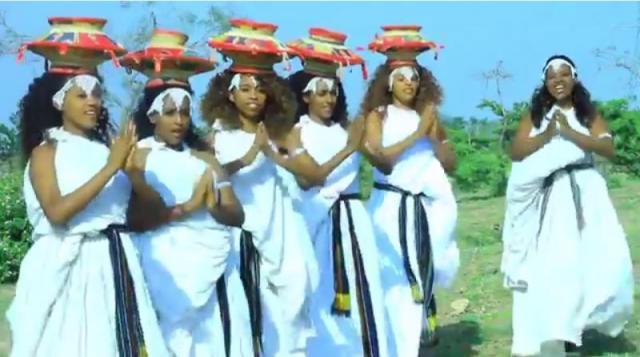 Immuu Girmaa (Boranaa) -  Hellee - New Oromo Traditional Music Video 2016