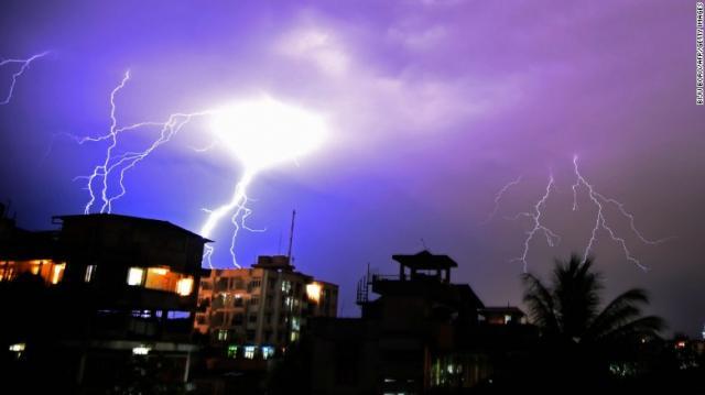 Lightning kills at least 90 in India