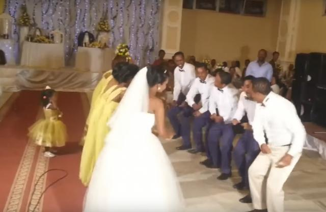 "Ethiopia -- Ethiopian Wedding Dance for ""Wub Aynama"" (ውብ አይናማ) by Tilahun Gessesse"