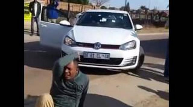 [MUST WATCH] Ethiopian man in South Africa cries after his shop got looted