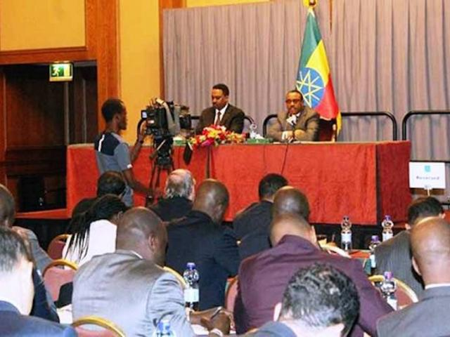 PM Hailemariam briefs diplomats on current situations in Ethiopia
