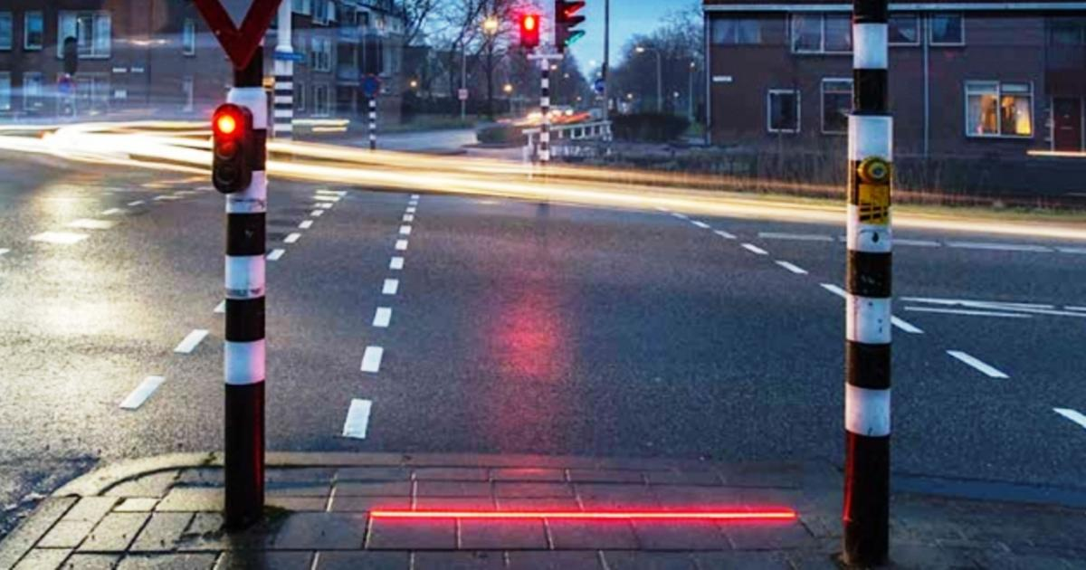 This Dutch town will soon have special traffic lights for zombie smartphone addicts