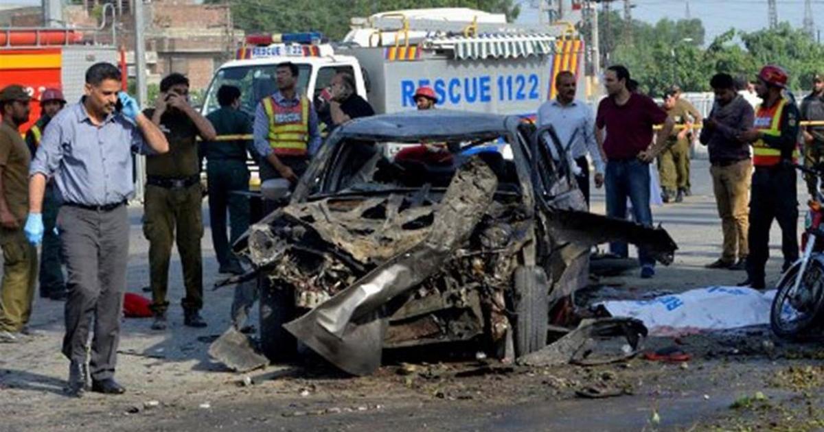 Blast leaves dozens dead in Pakistan's Lahore