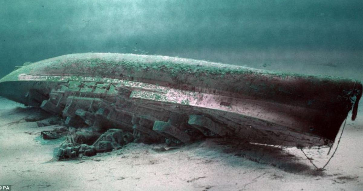 A WWI German U-Boat with 23 dead sailors inside has been found off the coast of Belgium