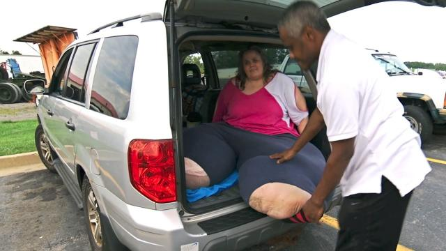 Uable To Fit In A Seat, This Woman Will Spend A 20-Hour Road Trip In The Back Of The Car