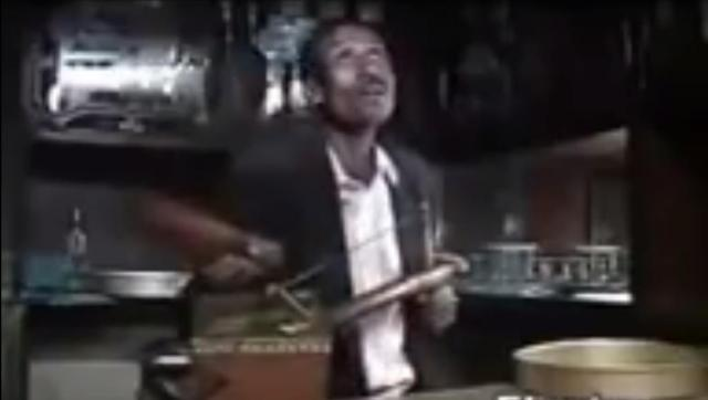 Ethiopian Comedy - Kibebew Geda Playing Masinqo - Very Funny