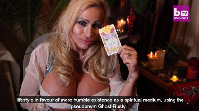Glamour Model Lacey Wildd Becomes Clairvoyant 'Ghost-busty': HOOKED ON THE LOOK