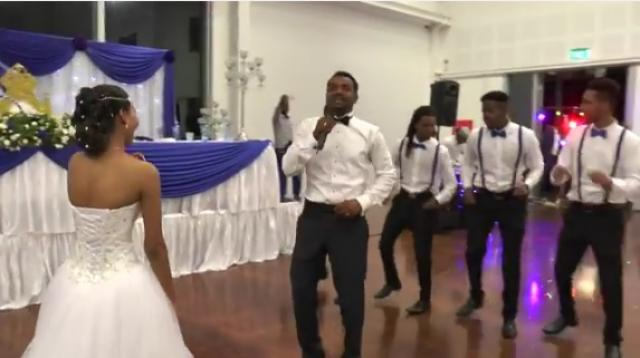 the groom sings for his bride min tadergiwalesh ethiopian wedding