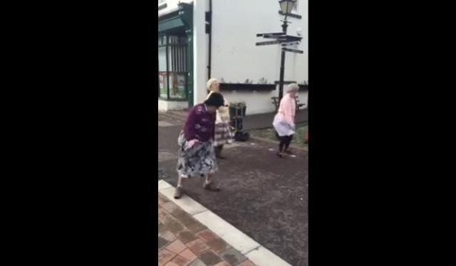 [FUNNY] Dancing Granny's of Darlaston