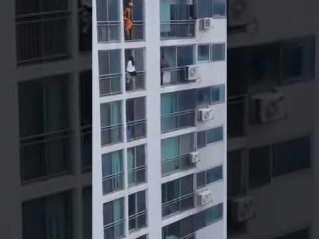 This woman was about to commit suicide until a hero fire fighter stepped in